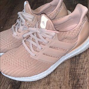 adidas Shoes - Mauve/Rose Adidas Boosts - like new! Y6.5